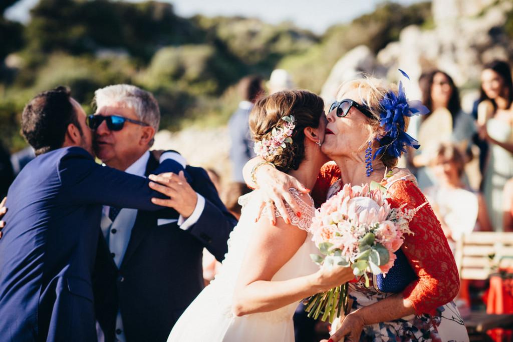 boda acantilado menorca mallorca ibiza formentera boda en la playa fotografia de boda 019
